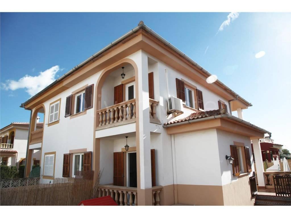Casa pareada situado en C´an Carbonell